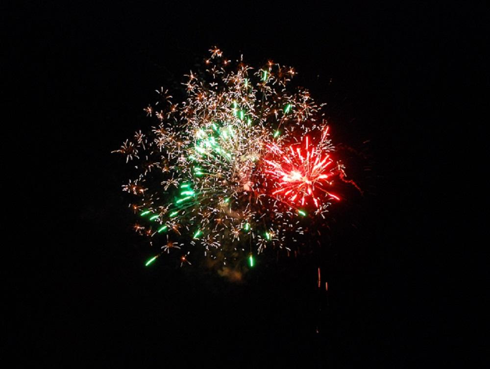 Brooks Hatch Blog: Torrid Knights Host Pickles On Fireworks Night
